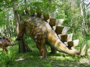 dinosaurios comiendo